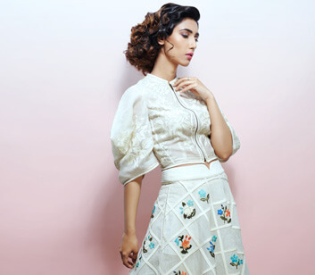 Curly Hairstyle for Women - Looks Salon