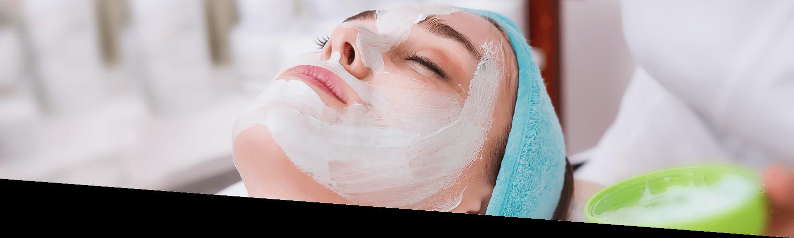 Ladies Facial Service, Looks Salon